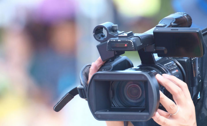 テレビカメラマン